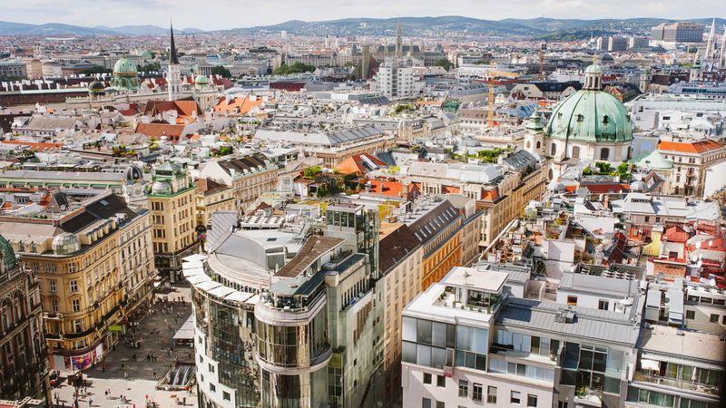 Nutze unsere Unterkunft um Wien zu entdecken sowie als Ausgangspunkt unserer geführten Wanderungen und Bergtouren.